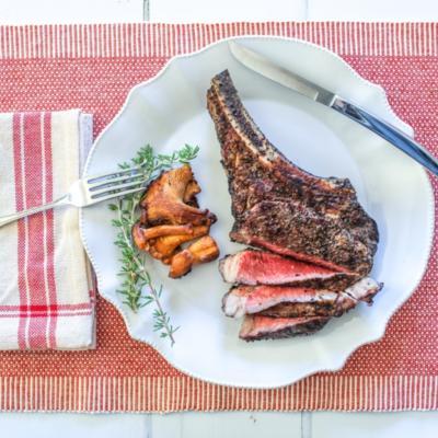 Beef Ribeye Steak (Bone-In)